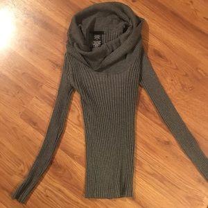 Sweaters - Gray sweater